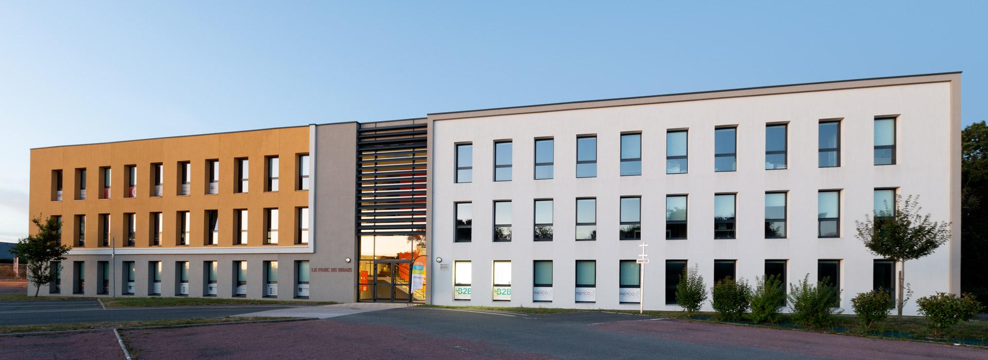slide1-b2b-location-bureaux-salle-reunion-saint-nazaire